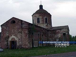 8 лет восстанавливается храм в Васильевке