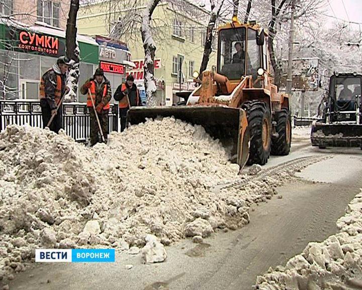 Качество уборки воронежских улиц раскритиковал губернатор Алексей Гордеев