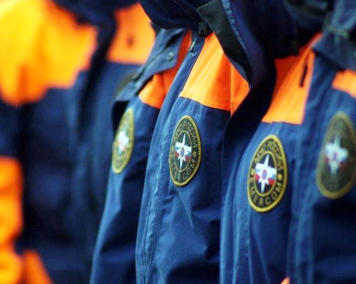 В Воронежской области спасатель случайно оказался у горящего дома и вытащил из него 7 человек