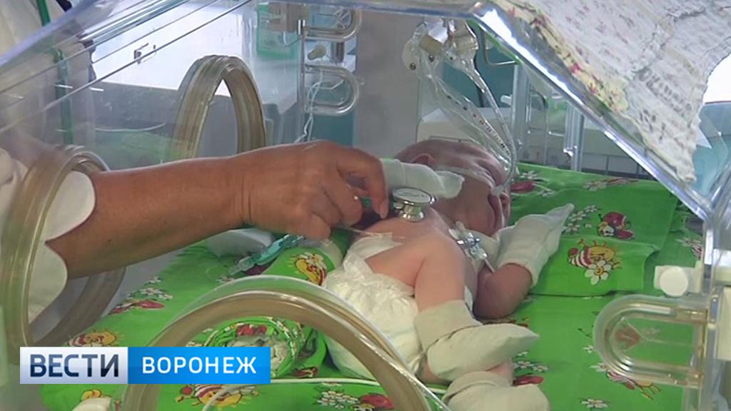 «Умещалась на ладошке». Как в перинатальном центре Воронежа спасают недоношенных детей