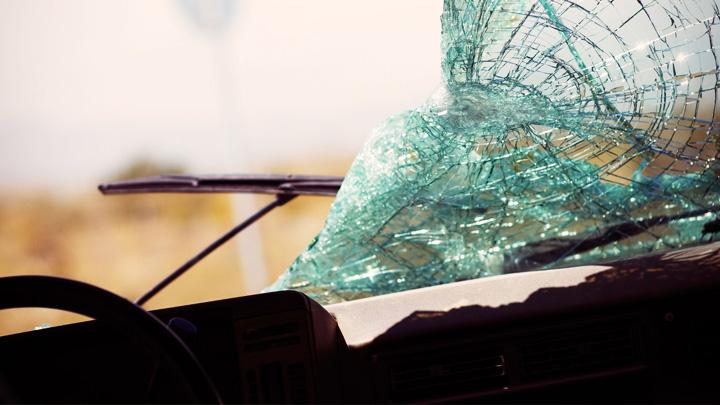 В Воронежской области в столкновении легковушки и рейсового автобуса погиб мужчина
