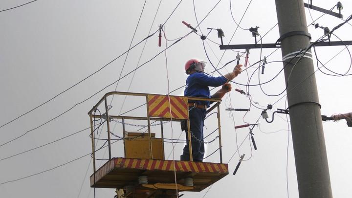 Энергетики рассказали, когда вернут электричество жителям трёх посёлков под Воронежем