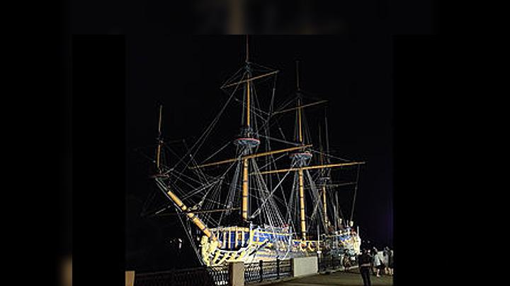 В Воронеже у корабля «Гото Предестинация» появилась светодиодная подсветка
