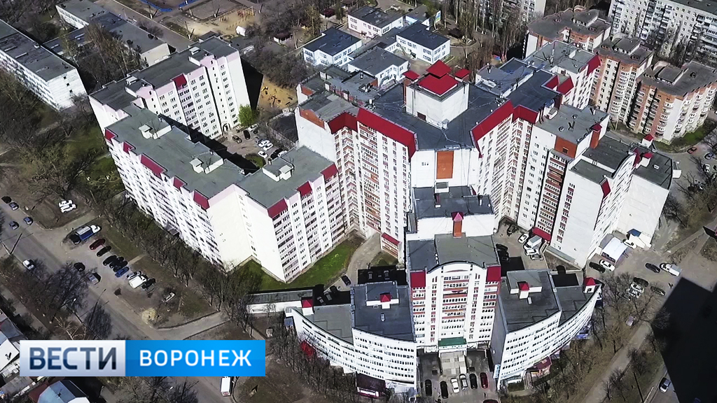 «Попали в капкан». Воронежская многоэтажка рискует остаться без единой дороги к дому