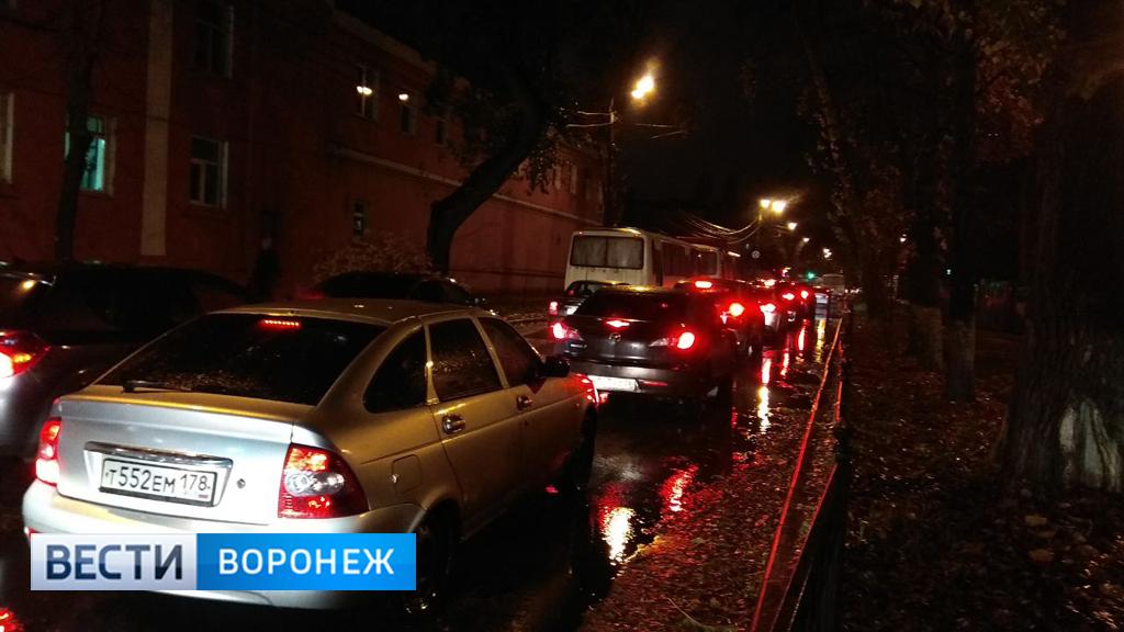 Воронеж встал в 9-балльных пробках