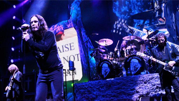 Сходи бесплатно на фильм-концерт группы Black Sabbath в Воронеже!