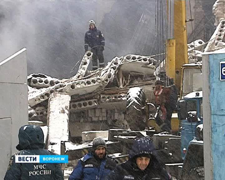 При разборе завалов на месте пожара нашли ещё одного погибшего