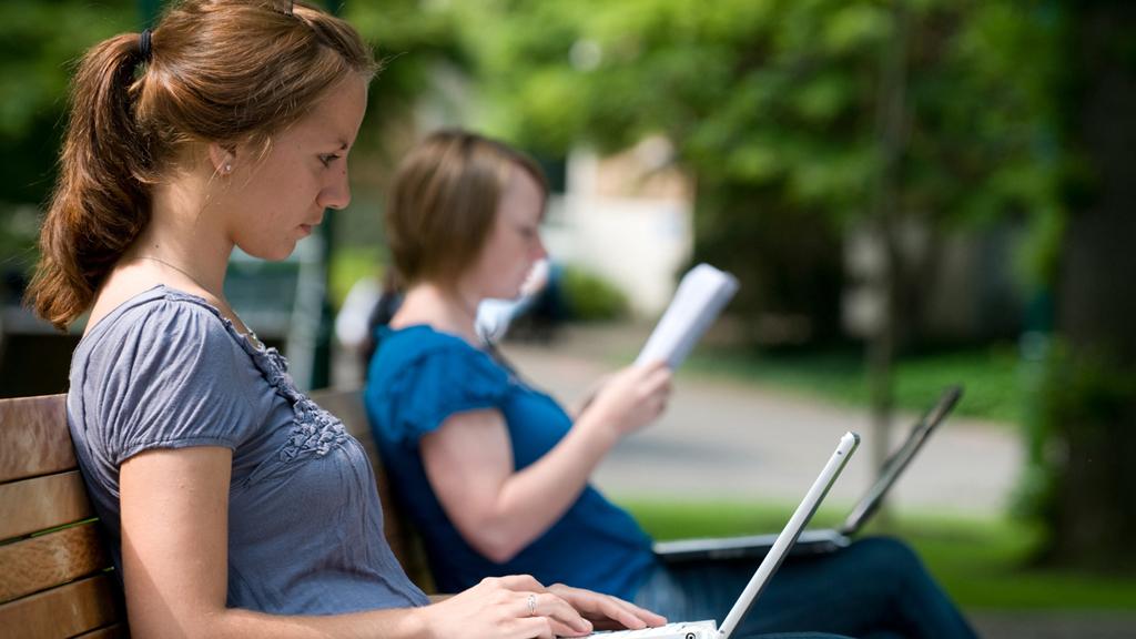 Стоит ли искать постоянную работу летом?