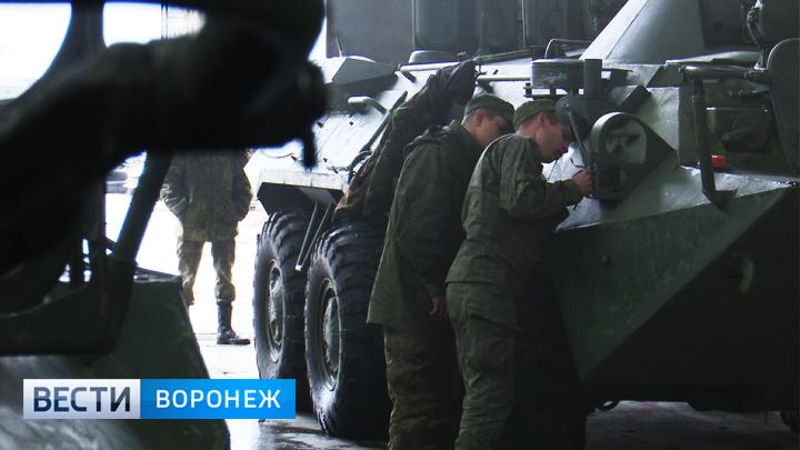 Воронежские военные потратят полторы тонны краски на подготовку техники к Параду Победы