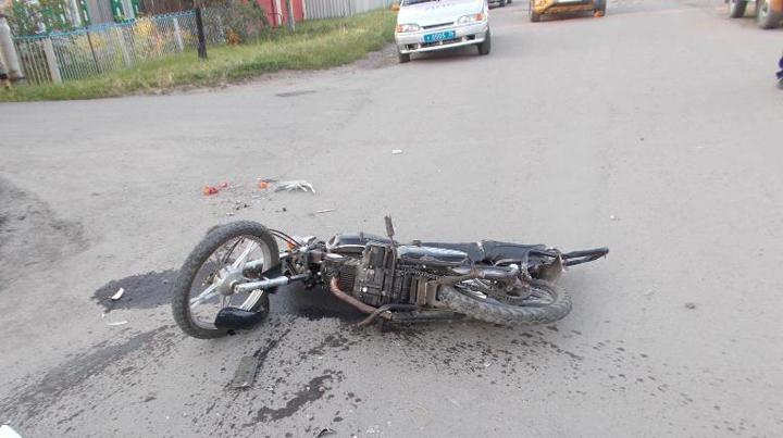 В Воронежской области 15-летний мотоциклист разбился в ДТП с грузовиком