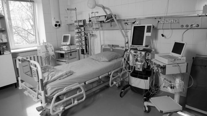 Устроивший публичное самосожжение мужчина скончался в больнице в Воронежской области