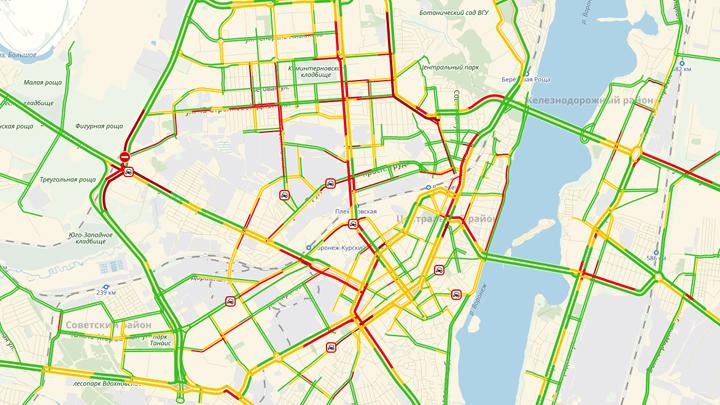 В Воронеже из-за непогоды дороги сковали 9-балльные пробки