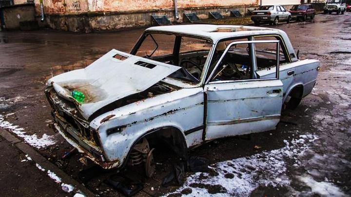 Воронежцы попросили губернатора наказывать владельцев брошенных автомобилей