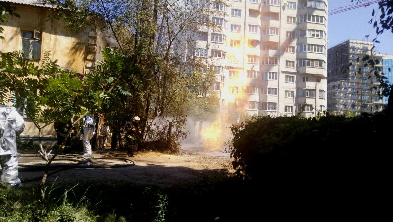 В Воронеже на Московском проспекте вспыхнула газовая труба