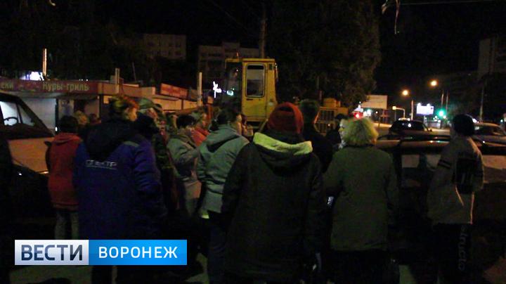 Рынок в осаде. Как воронежские предприниматели защищали мини-рынок на Димитрова от сноса