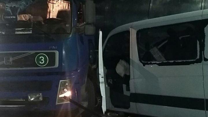 Водитель фуры ответит в суде за ДТП с тремя пострадавшими на трассе под Воронежем