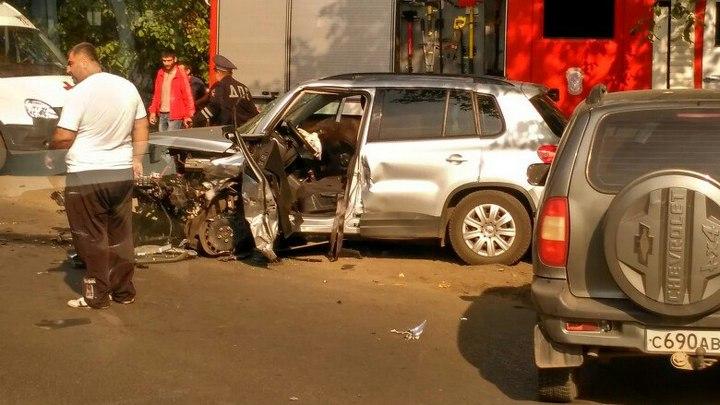 В Воронеже столкнулись 4 авто: один человек погиб и четверо пострадали