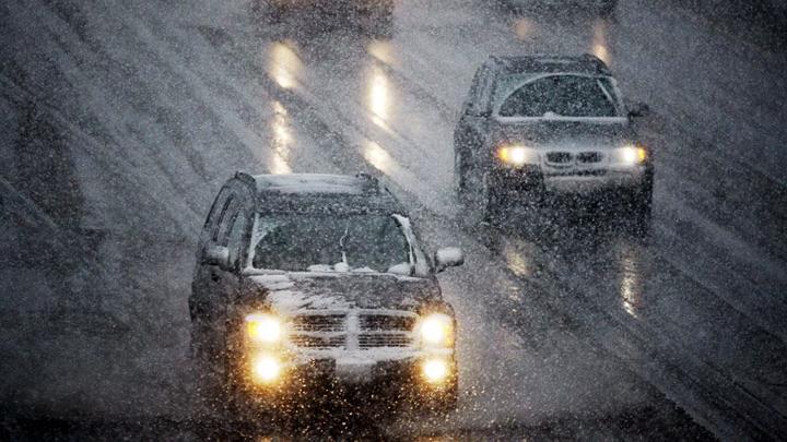 Спасатели предупредили воронежских автомобилистов о сильном снегопаде