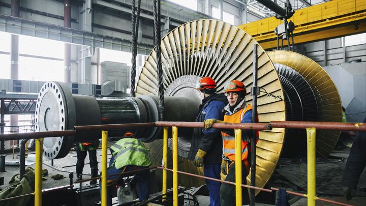 На Нововоронежской АЭС устанавливают генератор для ещё одного энергоблока нового поколения