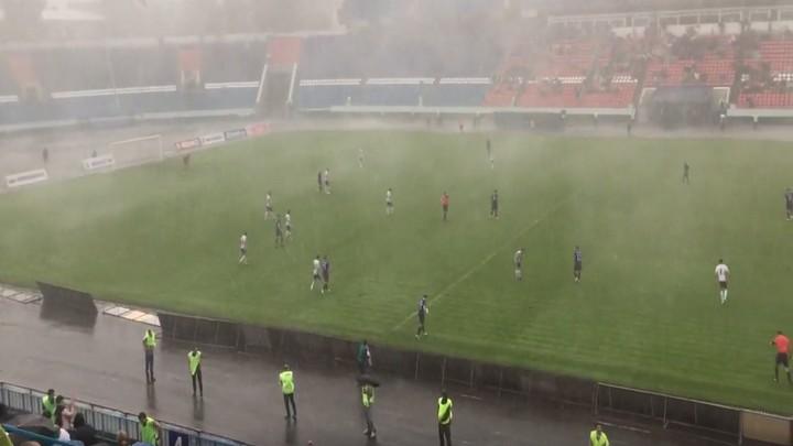В сети появилось видео «апокалипсиса» на игре между «Факелом» и «Шинником» в Воронеже