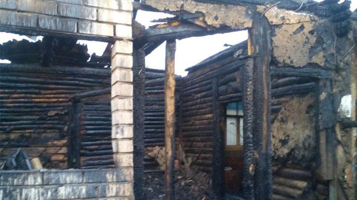 Глава посёлка под Воронежем: «Надеемся, что хозяйке сгоревшего от молнии дома помогут»