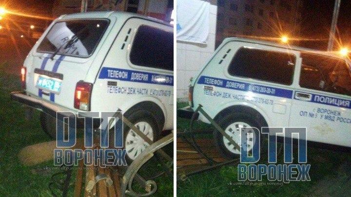 Участковый Воронежа наслужебном авто снёс скамейку