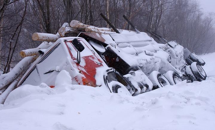 В Воронежской области грузовик задавил трех пешеходов