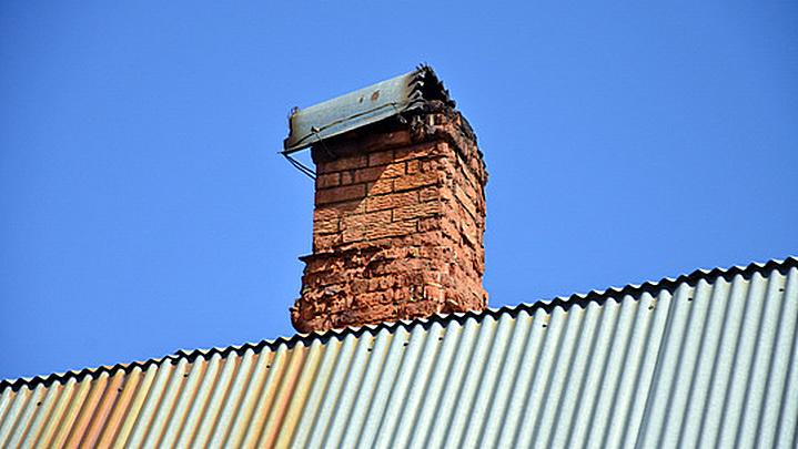 СК: семья под Воронежем погибла из-за закрытого на крыше дымохода