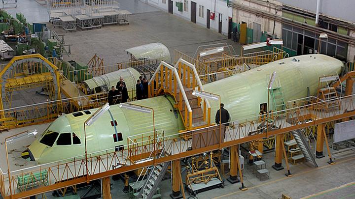 На Воронежском авиазаводе Дмитрий Рогозин рассказал о готовности Ил-112В к будущим испытаниям