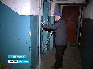 Администрация Нововоронежа просит жителей взять на себя часть расходов по замене лифтов