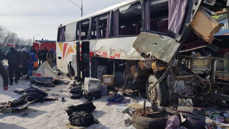 В Воронежской области столкнулись автобус и грузовик: 2 человека погибли