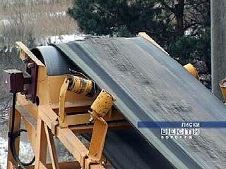 Агрегат по утилизации опор контактной сети испытали в Лисках