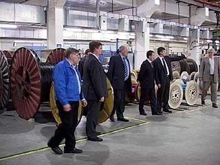 Алексей Гордеев посетил производство оптико-волоконного кабеля