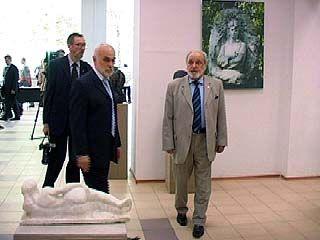 Анатолий Бичуков представил собственную выставку
