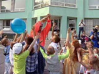 """""""Ангстрем"""" провел детский праздник в честь 1 сентября"""