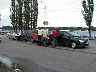 Авария с участием четырех автомобилей произошла на Чернавском мосту
