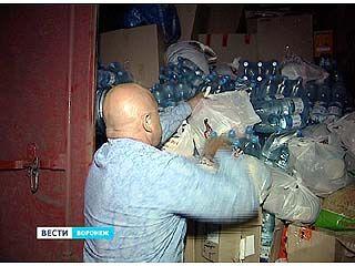 Автопоезд с гуманитарной помощью пополнился в Воронеже