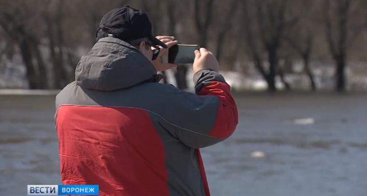 Воронежец снял эффектное видео ледохода на Дону