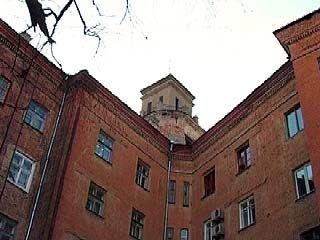 Башня на жилом доме по улице Володарского может рухнуть