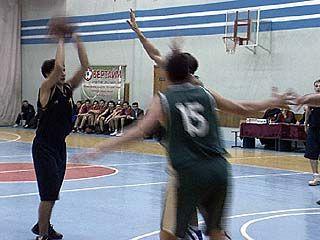 Баскетбольный клуб СКИФ провел очередные домашние матчи