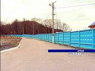 Бетонный забор на пляже в Чертовицах должен быть снесён