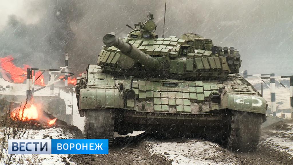 Захватывающие кадры танкового биатлона с полигона под Воронежем