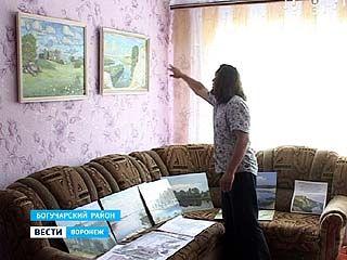 Богучарский художник Дмитрий Ткачёв привёз из Петербурга более 30 своих работ