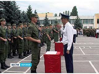 Более 700 солдат-срочников приняли присягу