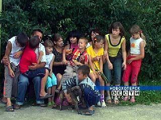 Более 900 детей-сирот В Воронежской области обрели новые семьи