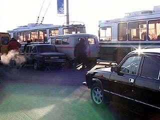 Большая авария на Чернавском мосту парализовала движение транспорта