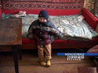 Борисоглебские милиционеры проверяют неблагополучные семьи