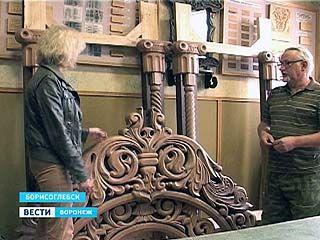 Борисоглебские резчики по дереву отделают храм святых Бориса и Глеба