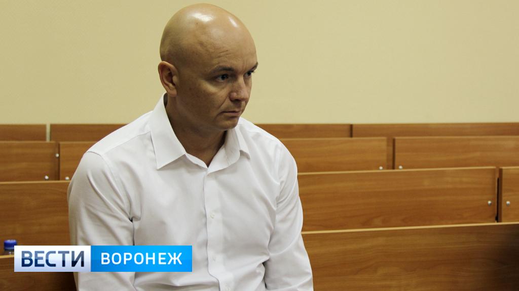 Сотрудник УФСИН получил 5 млн рублей от воронежского бизнесмена Виктора Енина