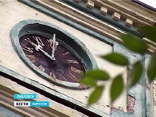 Часы на колокольне Преображенского собора в Павловске могут остановиться